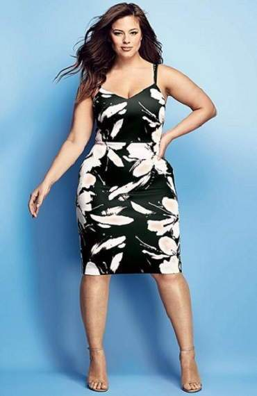 The Curves Have It - Ashley Graham - MaxMag