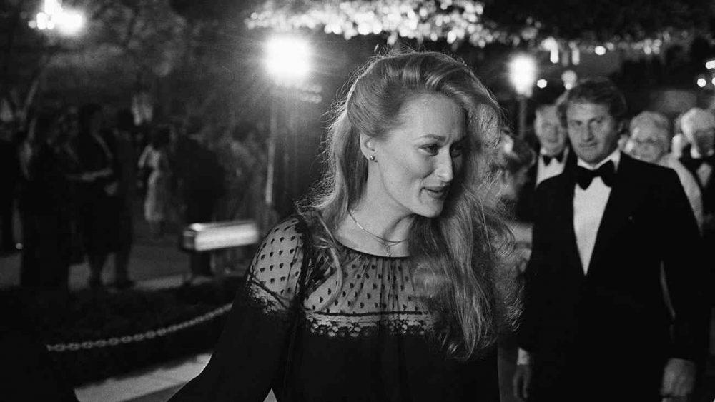 Original caption: 4/9/1979-Hollywood, CA: Actress Meryl Streep arrives at the Music Center for the Academy Award presentations. (Copyright Bettmann/Corbis / AP Images)