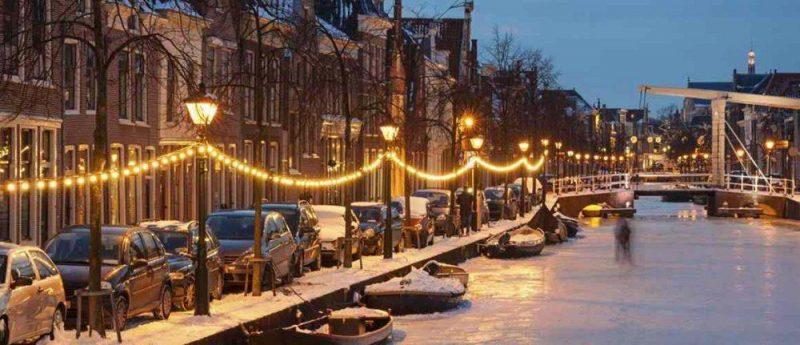 amsterdam_frozen_canal_1386x500px