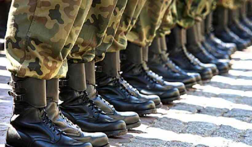 στρατιωτική θητεία στα 18