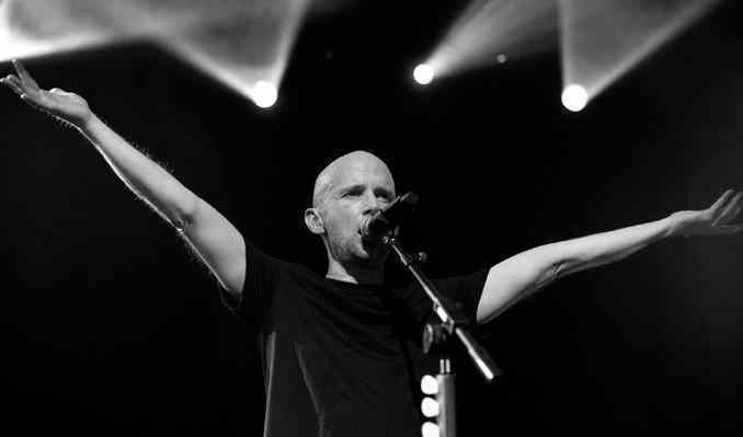 moby-live-at-the-fonda-tickets_10-02-13_17_524a1e0ee3c6c