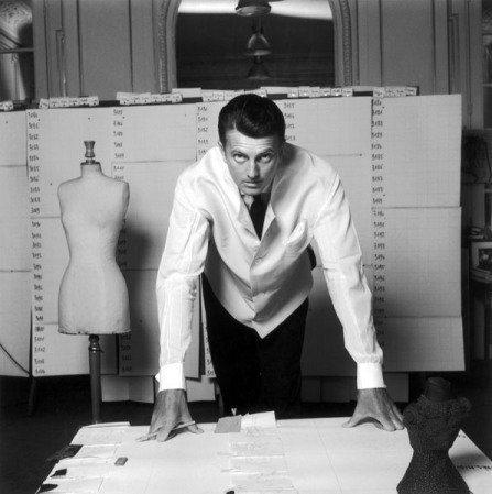 Hubert-de-Givenchy-Features-Cover-MaxMag