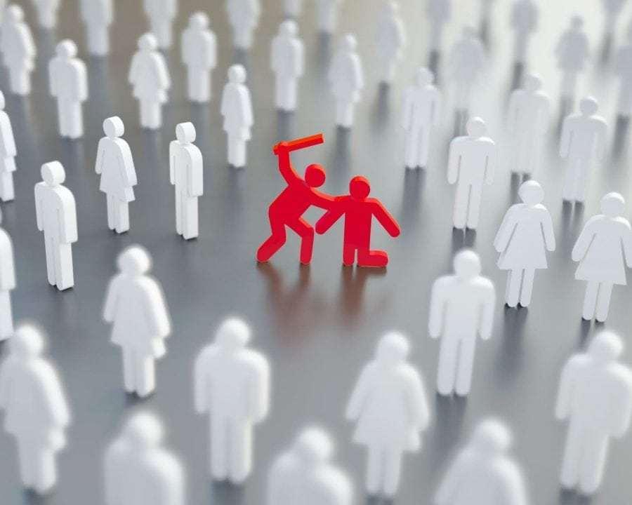 H διάχυση της ευθύνης: όταν είναι πολλοί ελάχιστοι θα βοηθήσουν