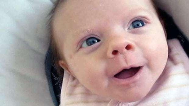 νεογέννητα μιμούνται τις εκφράσεις του προσώπου