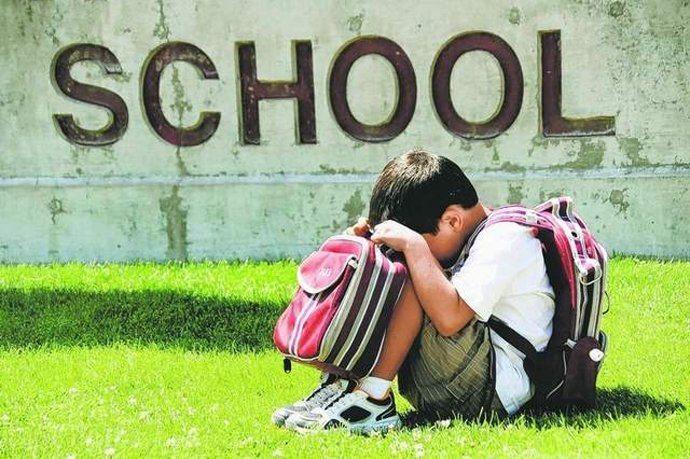 Το παιδί αισθάνεται άγχος όταν το αφήνετε στο σχολείο