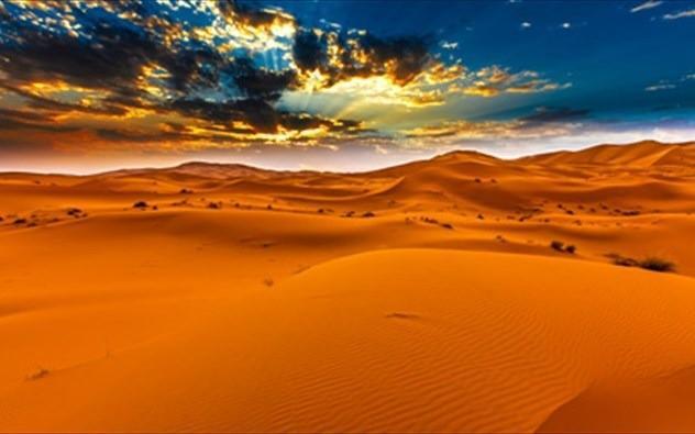 Γυάλινη έρημος. Από την Αδαμαντία Μπουρδέρη