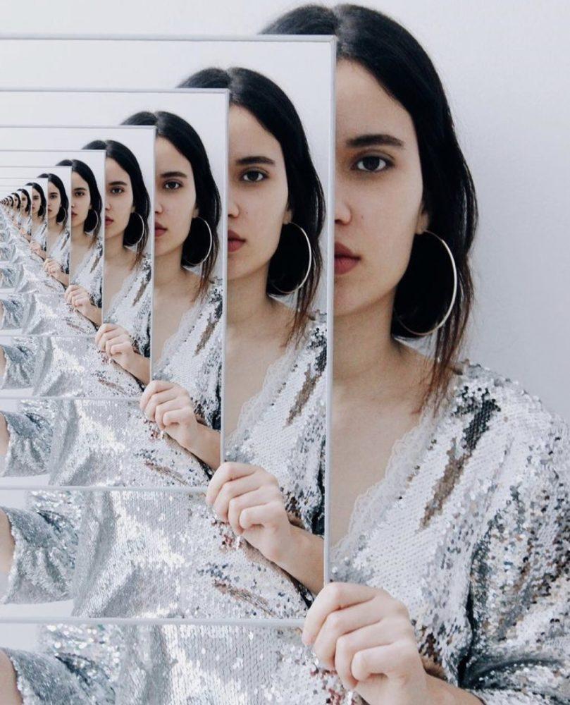 Φωτογραφία σε καθρέφτη