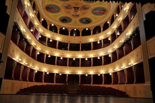 Θέατρο Απόλλων Σύρου