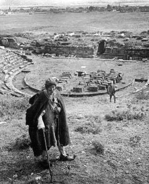 Το Αρχαίο Θέατρο της Ερέτριας σε φωτογραφία του 1900