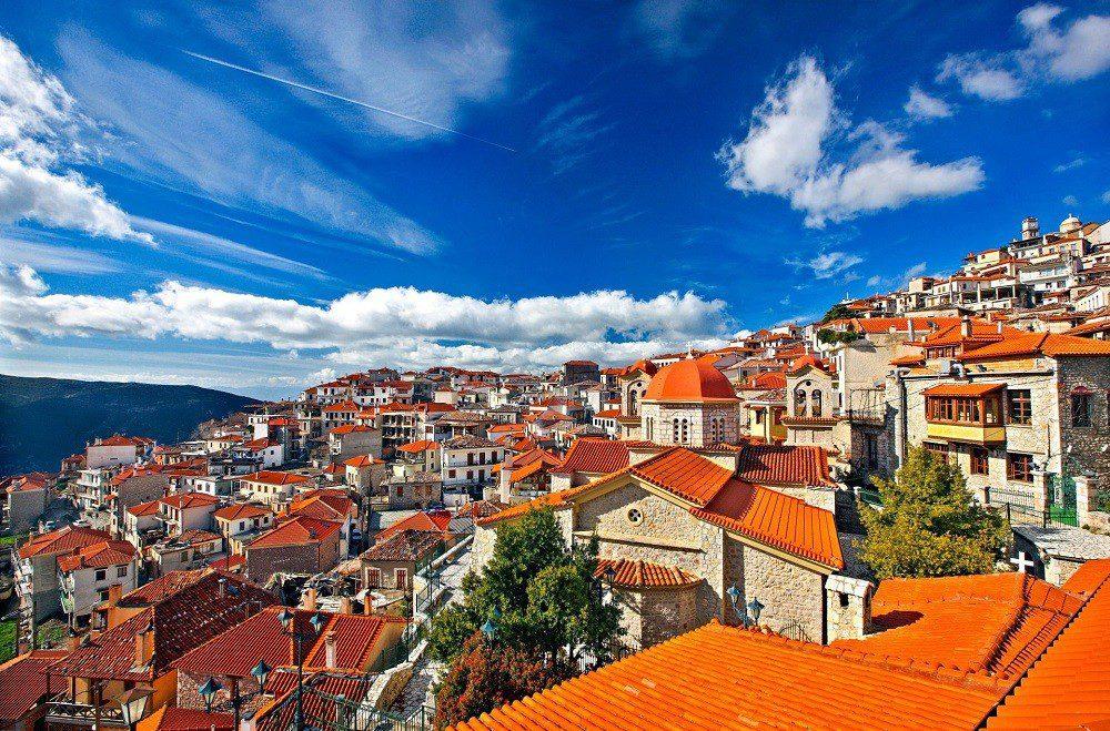 Αράχωβα: ο δημοφιλέστερος τουριστικός χειμερινός προορισμός | Ελλάδα