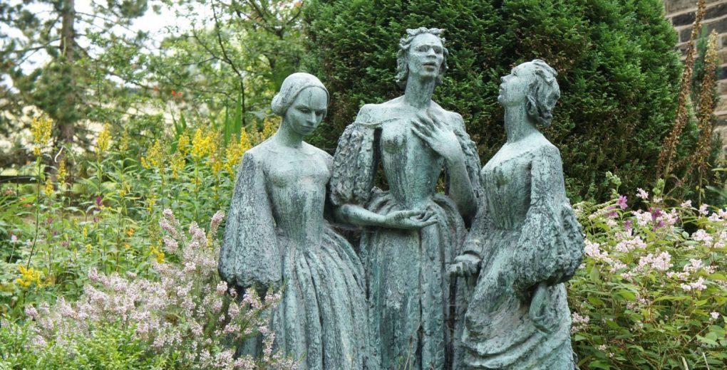 αδερφές Brontë άγαλμα