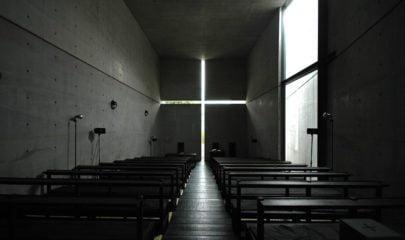 Φως σε εκκλησία