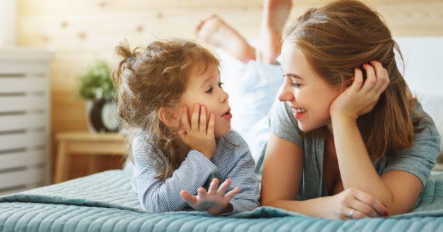 κορονοϊός: Για καλύτερη επικοινωνία, οι γονείς οφείλουν να ακούνε τι έχουν να πουν τα παιδιά