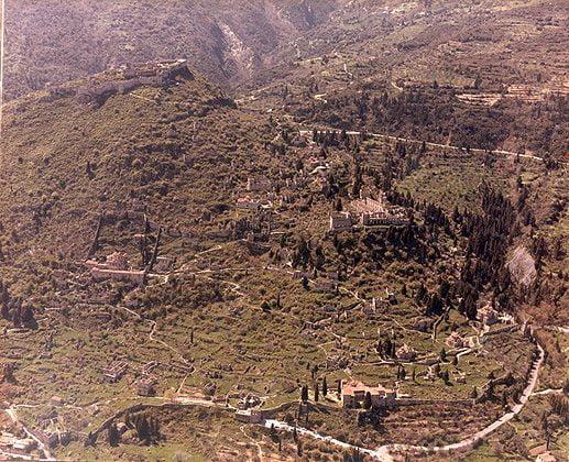 Μυστράς: Εξερευνώντας την καστροπολιτεία με τη βαθιά ιστορία
