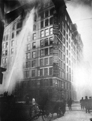 Φωτιά στο εργοστάσιο Triangle Shirtwaist.