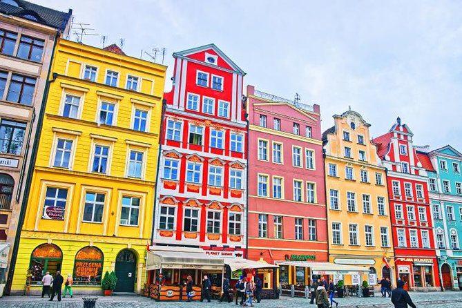 Πολύχρωμα κτήρια στην παραμυθούπολη της Πολωνίας