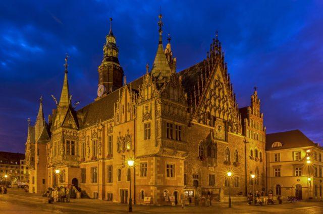 Βρότσλαβ παλιό δημαρχείο στην πολύχρωμη παραμυθούπολη της Πολωνίας