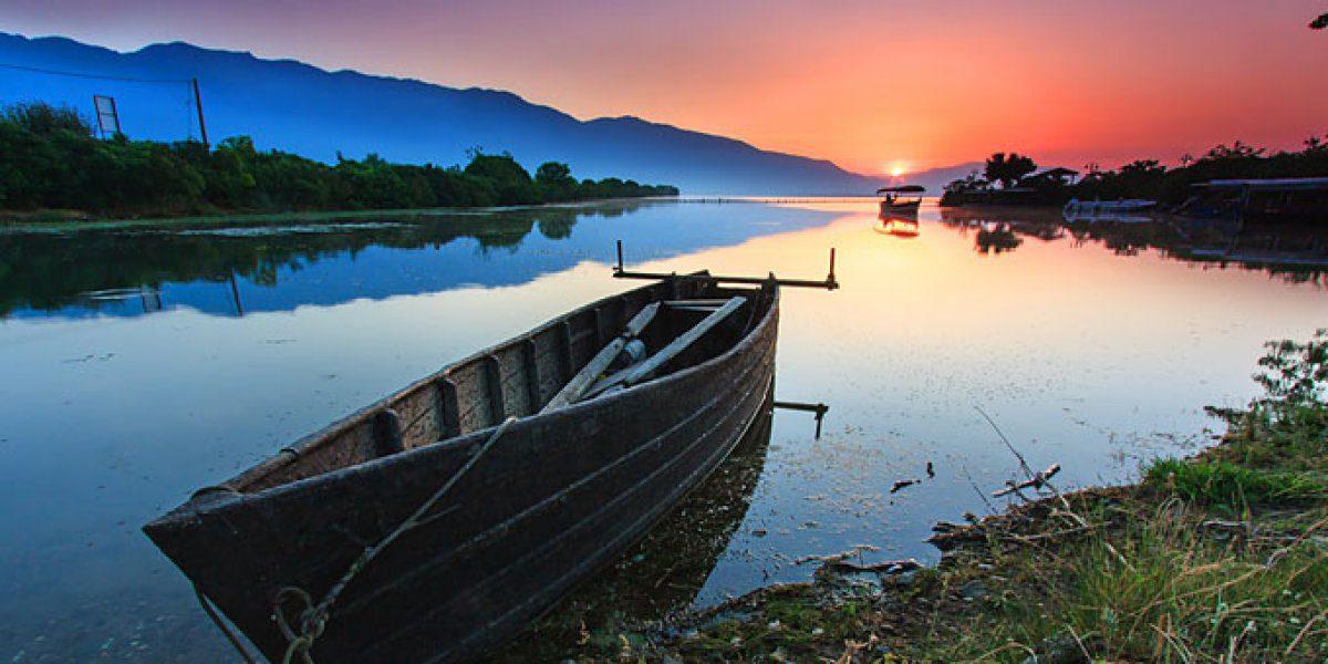 Ανοιξιάτικη απόδραση σε 5+1 πανέμορφες λίμνες της Ελλάδας