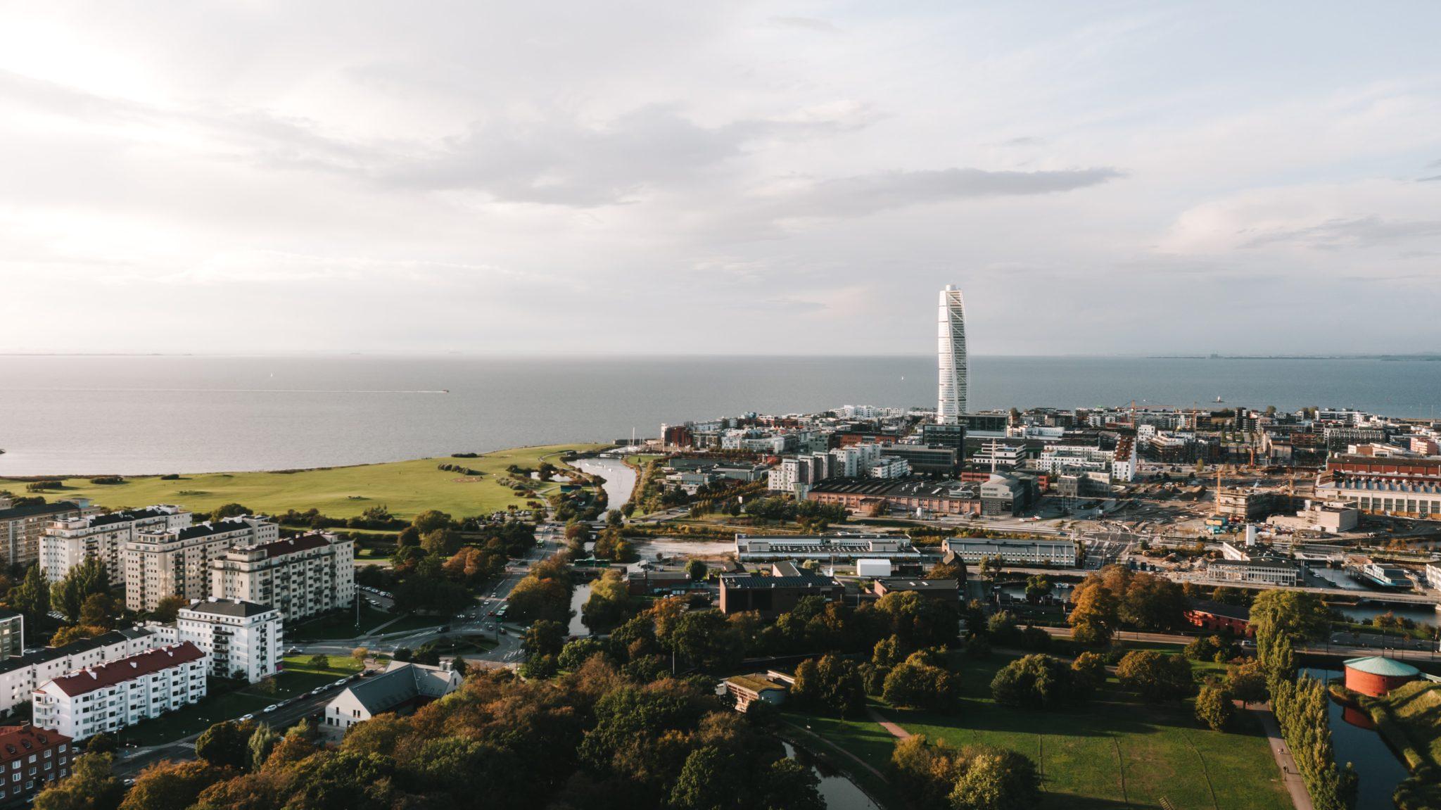Μάλμε: H πόλη της Σουηδίας που φημίζεται για τα πάρκα της