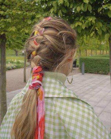 μαντήλι στα μαλλιά