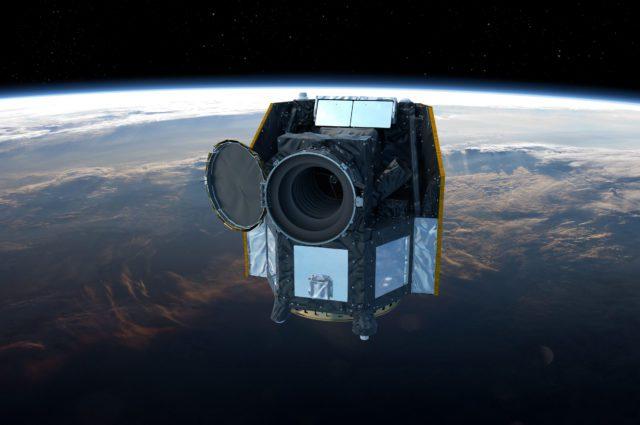CHEOPS: Το τηλεσκόπιο σε τροχιά πάνω από τη Γη