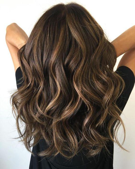 beach waves hair look