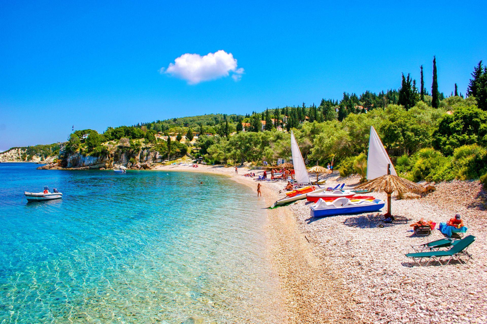 Ταξιδεύοντας στο άγνωστο με 5+1 κρυμμένα νησιά της Ελλάδας