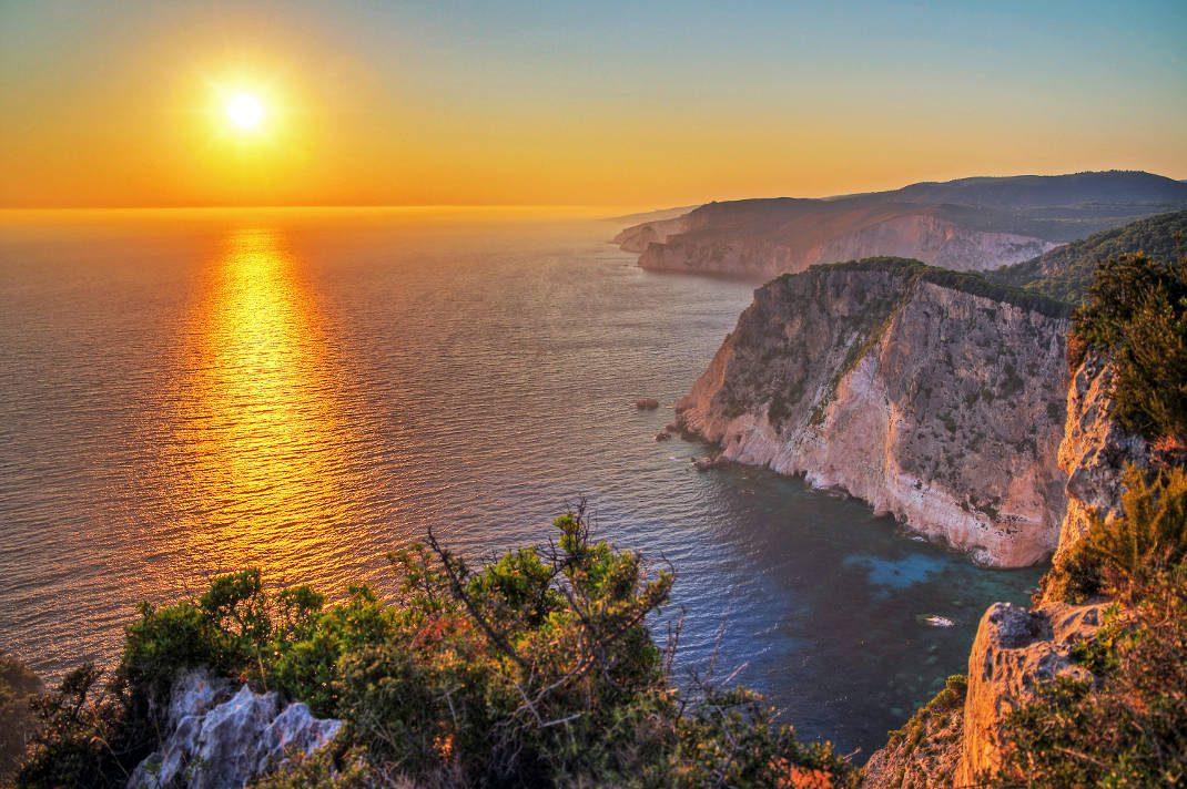 ηλιοβασιλέματα στην Ελλάδα