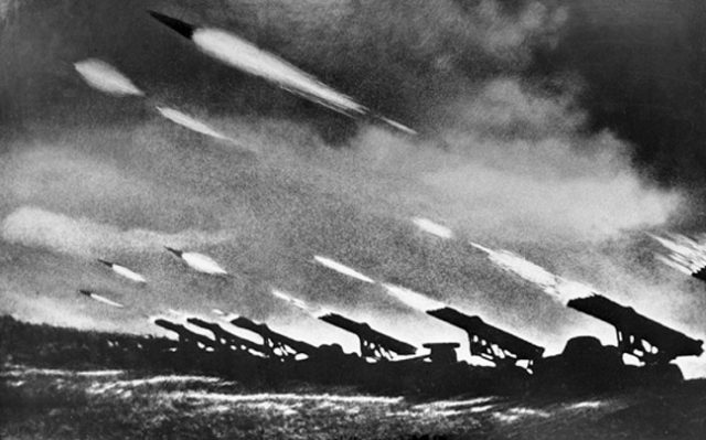 Πηγή εικόνας: newsbeast.gr | Κατιούσα, το σοβιετικό υπερόπλο.