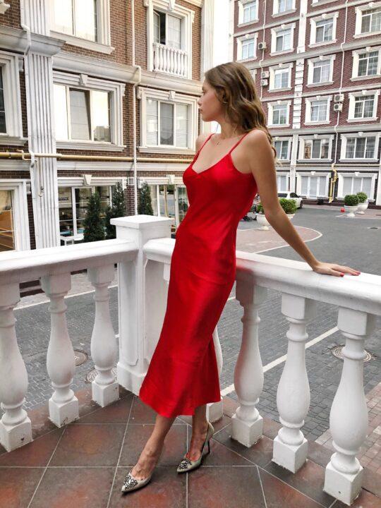 κόκκινα φορέματα