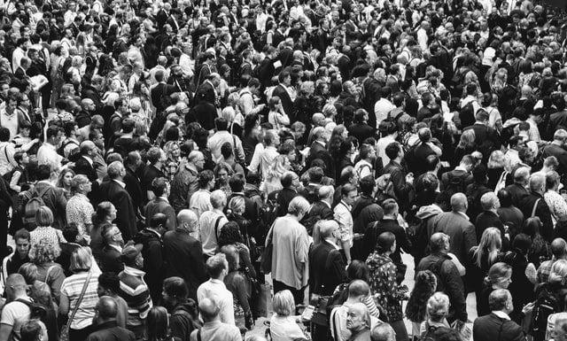 Τη σημερινή εποχή, ο παγκόσμιος πληθυσμός αγγίζει τα 7,6 δισεκατομμύρια ανθρώπους. Ο αριθμός αυτός φαίνεται να αυξάνεται ραγδαία.