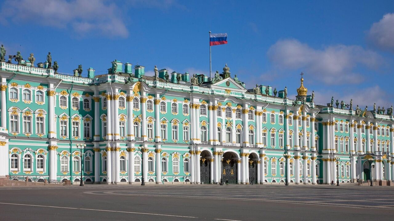 τα εντυπωσιακότερα παλάτια και κάστρα της Ευρώπης