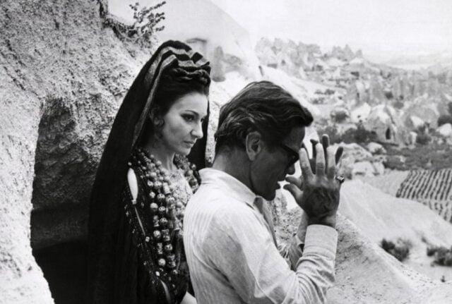 """Με την Μαρία Κάλλας στα γυρίσματα της ταινίας """"Μήδεια"""". Πηγή εικόνας: www.katiousa.gr"""