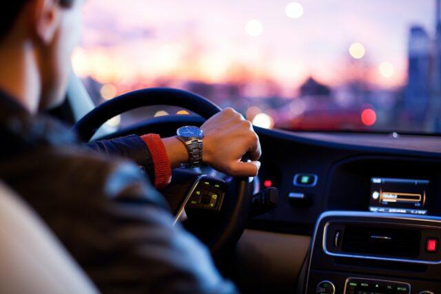 επιθετική οδήγηση