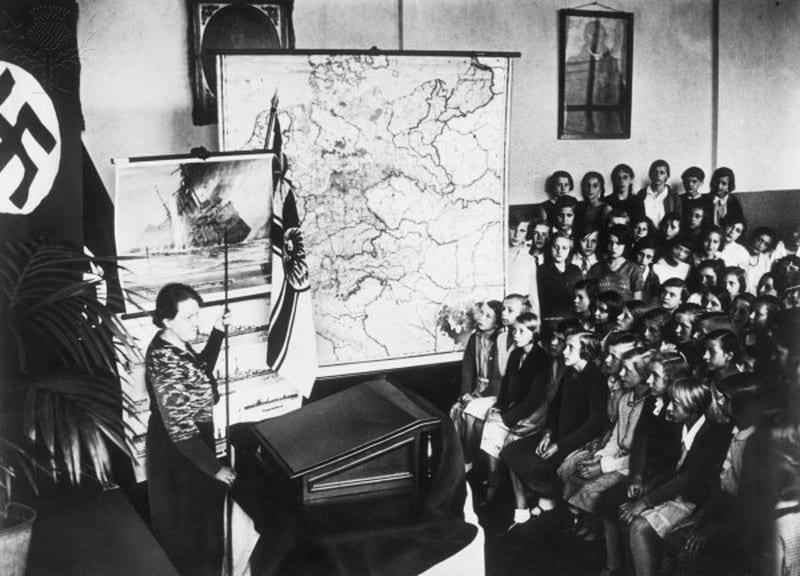 Αδόλφος Χίτλερ και εκπαίδευση