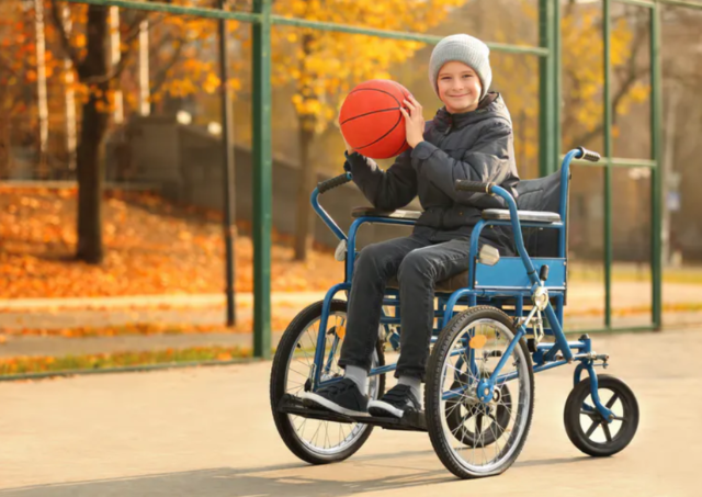 μπάσκετ-παιχνίδι και κινητική αναπηρία