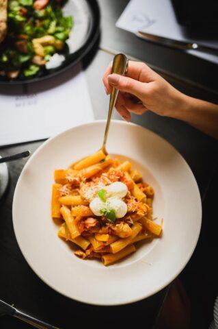 Talks, pasta