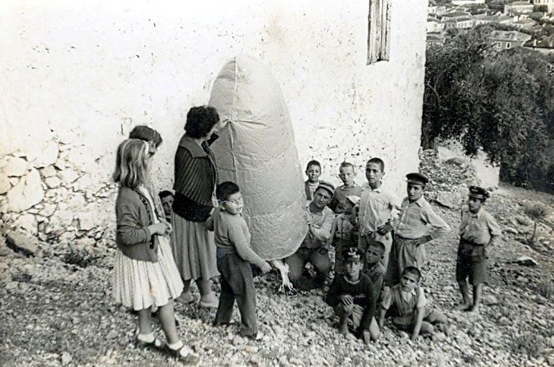 Παλιό πασχαλινό έθιμο του Λεωνιδίου είναι τα αερόστατα