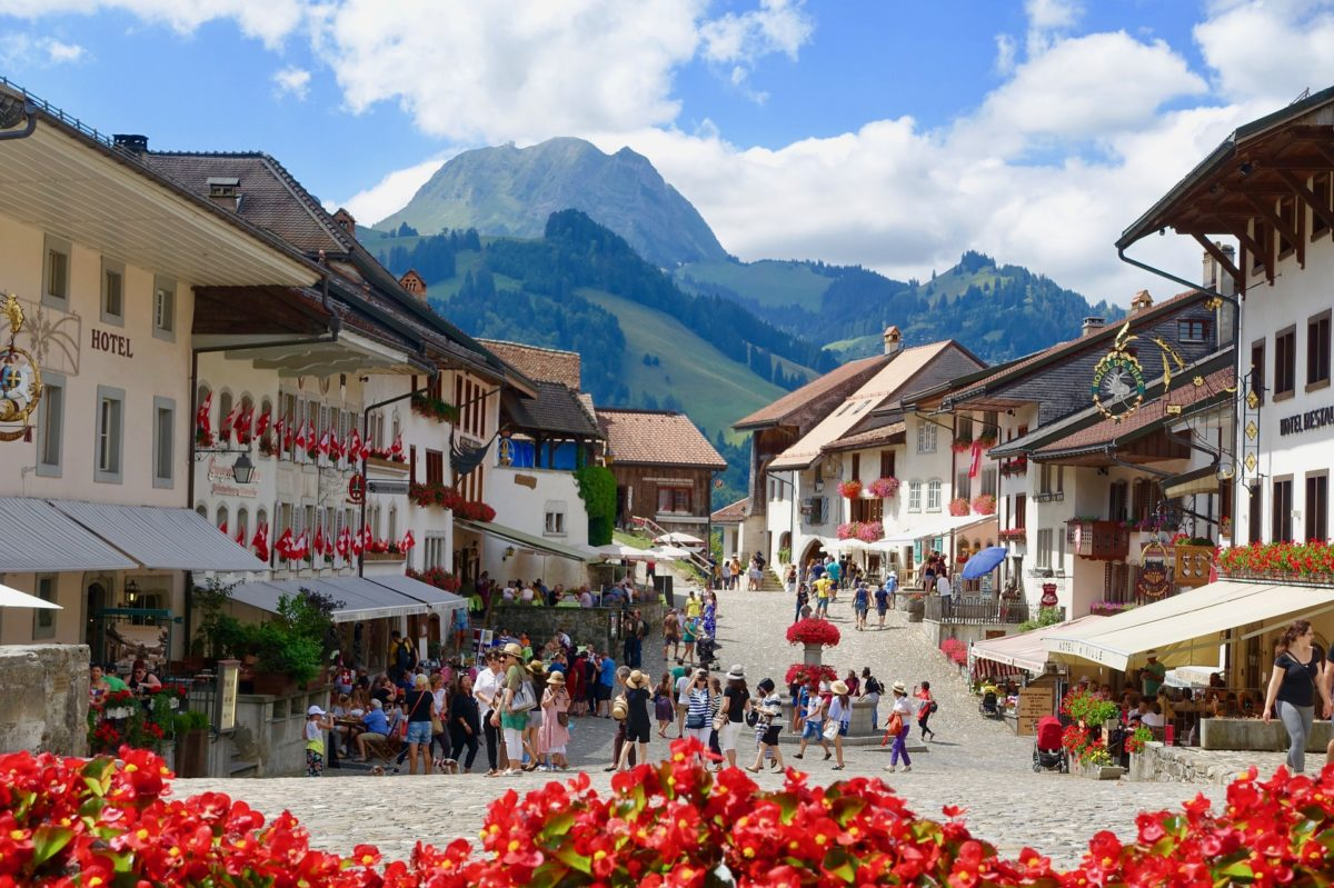 Gruyeres το παραμυθένιο χωριό της Ελβετίας