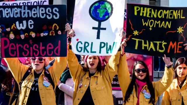 Γυναίκες διαδηλώτριες του τρίτου κύματος- φεμινισμός
