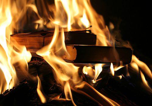 καύση των βιβλίων