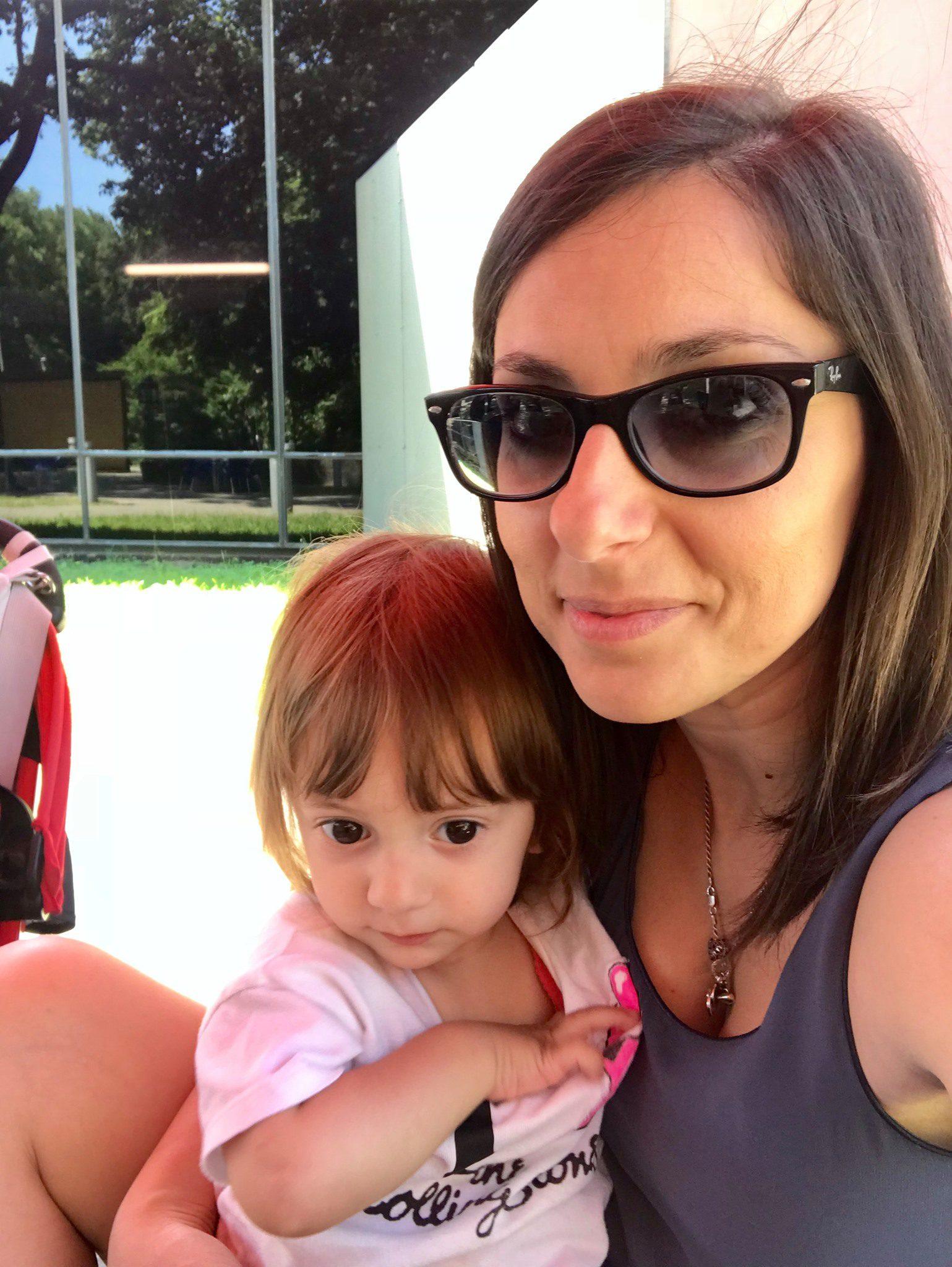 Η Alessia lo Surdo με την 4χρονη κόρη της.