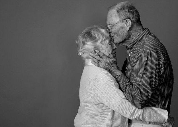 Αγκαλιά: Η αξία και οι θεραπευτικές της ιδιότητες.
