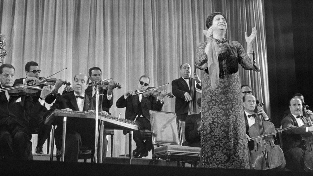 Ουμ Καλθουμ η Βασίλισσα της αραβικής μουσικής γεννημένη στο Κάιρο της Αιγύπτου