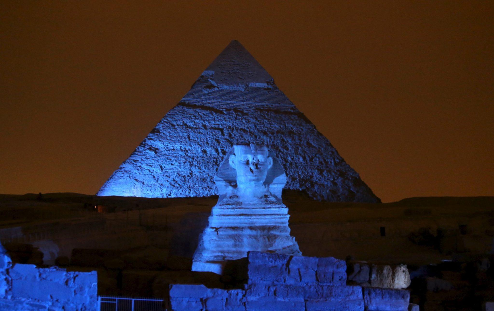 Κάιρο η επιβλητικότητα των πυραμίδων