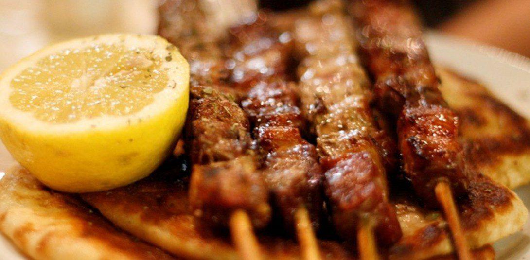 Τσικνοπέμπτη, grill στην Πάτρα