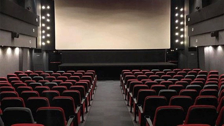 Από το θεατρικό σανίδι στη μεγάλη οθόνη