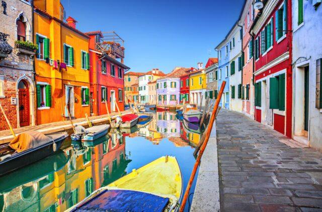 Burano, το πολύχρωμο νησί της Ιταλίας