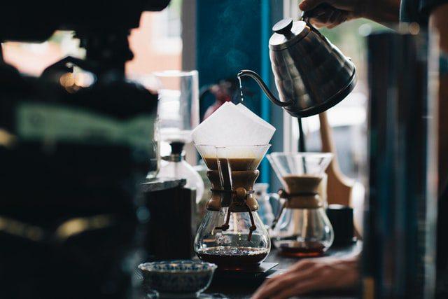 Είναι παγκοσμίως γνωστό πως η μεγάλη κατανάλωση καφέ έχει οδηγήσει στην ανάγκη μαζικής παραγωγής του