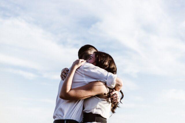 Η τέχνη μιας αγκαλιάς